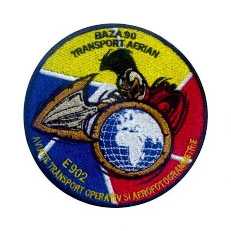 Embleme aviatie baza 90 E902  Grade Militare Aviație Militară | Aviație Civilă | IGAV | de vânzare | Embleme Aviație | Petlițe | Ecusoane | Nominale și alte însemne distinctive pentru uniforma Aviație. *Conforme cu legislația în vigoare.
