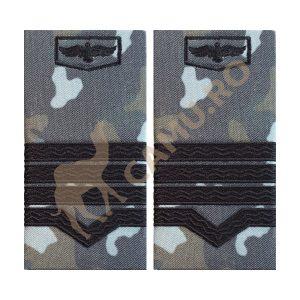 GRADE MAISTRI MILITARI AVIATIE COMBAT - CLASA II Grade Militare Combat AVIATIE de vânzare | Grade Ofiteri Aviatie | Grade Subofiteri Aviatie | Grade Maistri Militari Aviatie | Embleme Aviație MAPN | Petlițe Aviație | Ecusoane Aviație | Nominale și alte însemne distinctive pentru uniforma Aviației Române MAPN Combat/Ripstop. *Conforme cu legislația în vigoare.