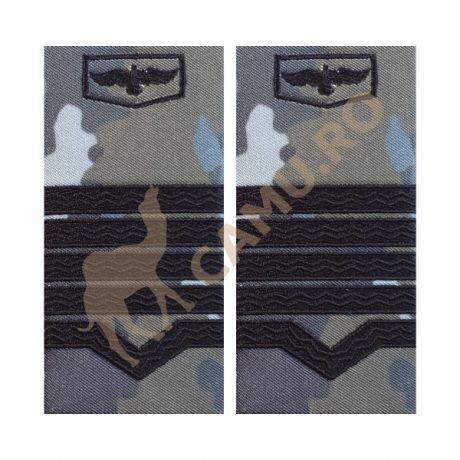 GRADE MAISTRI MILITARI AVIATIE COMBAT - CLASA I  Grade Militare Combat AVIATIE de vânzare | Grade Ofiteri Aviatie | Grade Subofiteri Aviatie | Grade Maistri Militari Aviatie | Embleme Aviație MAPN | Petlițe Aviație | Ecusoane Aviație | Nominale și alte însemne distinctive pentru uniforma Aviației Române MAPN Combat/Ripstop. *Conforme cu legislația în vigoare.