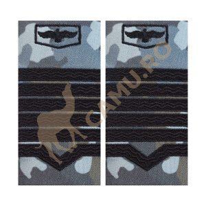 GRADE MAISTRI MILITARI AVIATIE COMBAT - MAISTRU MILITAR PRINCIPAL Grade Militare Combat AVIATIE de vânzare | Grade Ofiteri Aviatie | Grade Subofiteri Aviatie | Grade Maistri Militari Aviatie | Embleme Aviație MAPN | Petlițe Aviație | Ecusoane Aviație | Nominale și alte însemne distinctive pentru uniforma Aviației Române MAPN Combat/Ripstop. *Conforme cu legislația în vigoare.