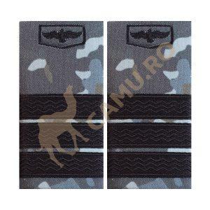 GRADE SUBOFITERI AVIATIE COMBAT - PLUTONIER ADJUTANT Grade Militare Combat AVIATIE de vânzare | Grade Ofiteri Aviatie | Grade Subofiteri Aviatie | Grade Maistri Militari Aviatie | Embleme Aviație MAPN | Petlițe Aviație | Ecusoane Aviație | Nominale și alte însemne distinctive pentru uniforma Aviației Române MAPN Combat/Ripstop. *Conforme cu legislația în vigoare.